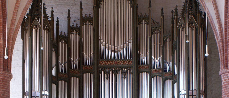 "<div align=""center"">Seehausen / Altmark<br>St. Petri,<br>Lutkemüller Orgel</div>"