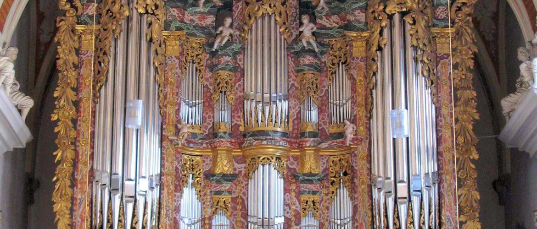 """<div align=""""center"""">Erfurt<br>Cruciskirche,<br>Volckland-Orgel</div>"""