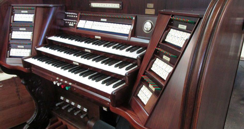Drei Spieltische für den Orgelkomplex St. Katharinen Brandenburg